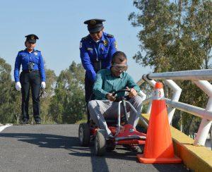 Policías enseñan a pequeños acciones preventivas en la CDMX