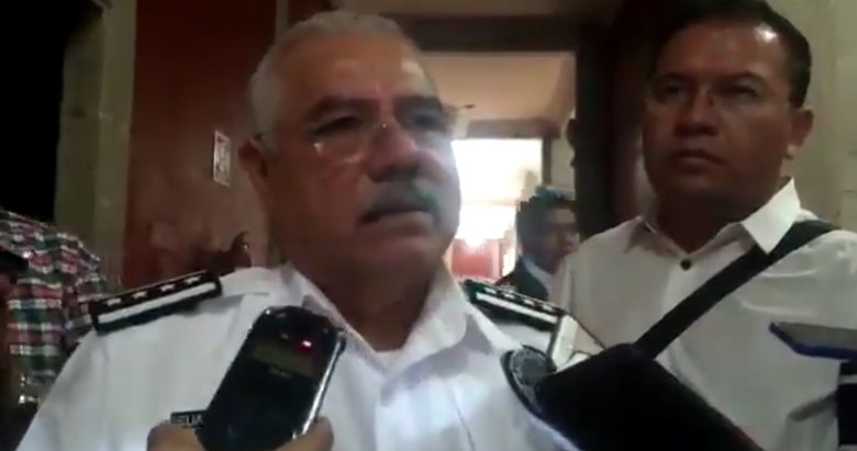 """""""Compórtense damitas"""" - Al Tiempo - Carlos Tapia"""