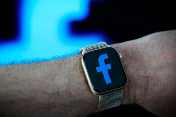 El primer reloj inteligente de Facebook tendrá una cámara desmontable